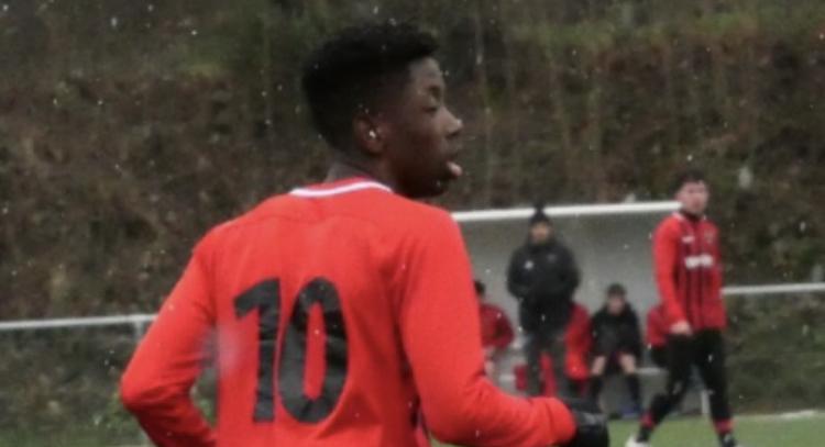 ASSE : Un jeune milieu relayeur en tests dans le club stéphanois ! 1