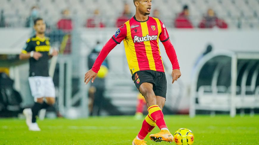 RC Lens : Et si la blessure de Loïc Badé était sérieuse ? 1