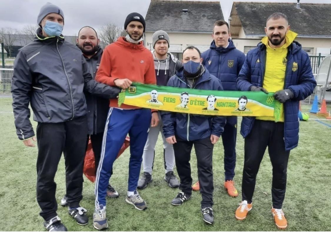 """FC Nantes : Un supporter crée """"l'écharpe de rêve"""" des Canaris ! 1"""