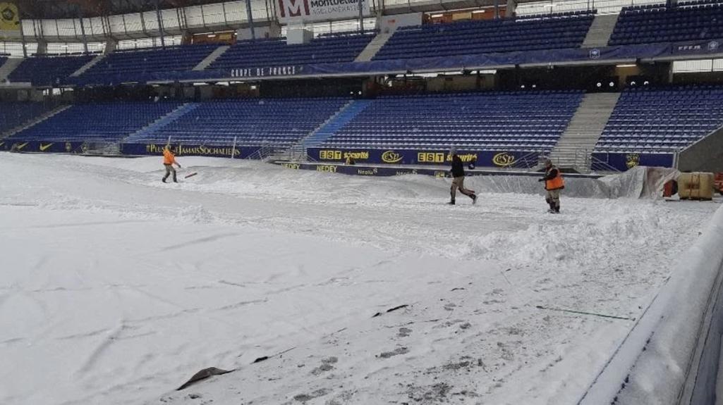 ASSE, Sochaux : La pelouse du match envahie par la neige ! 1
