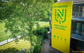 Photo of FC Nantes : Ce recalé des Canaris rebondit au Portugal !