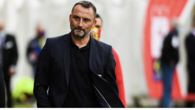 Photo of RC Lens : Le coach des Sang et Or entretient le flou sur son avenir !