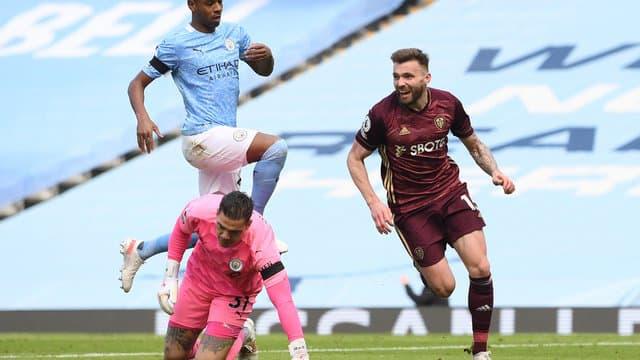 Premier League - 31ème j.   Les notes de Manchester City - Leeds (1-2) 15