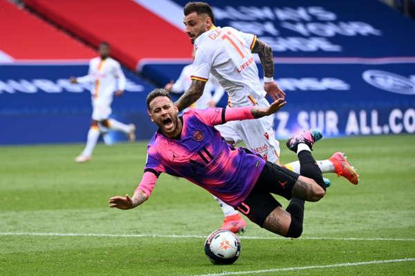 RC Lens, PSG : Tension avec Neymar, Clauss répond à Leonardo ! 1