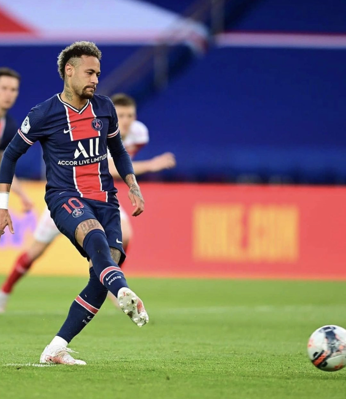 PSG : Pendant le match contre Reims, un homme s'introduit dans la maison de Neymar ! 1