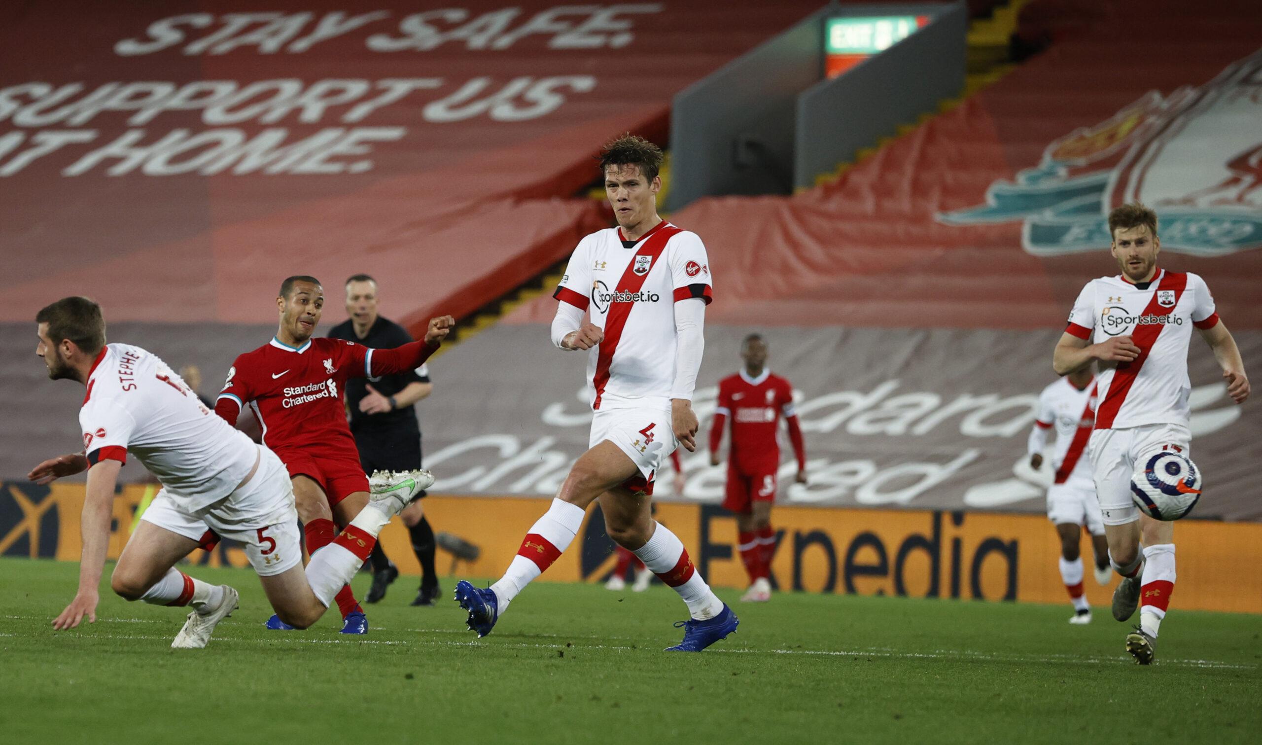 Premier League - 35ème j.   Les notes de Liverpool - Southampton (2-0) 1